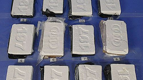An undercover sting helped uncover a cocaine-smuggling chain.