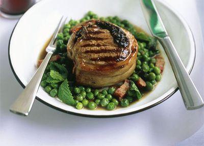 "Recipe:&nbsp;<a href=""http://kitchen.nine.com.au/2016/05/19/20/15/lamb-chops-deluxe"" target=""_top"">Lamb chops deluxe</a>"