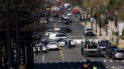 Suspect arrested for trying to ram police car near US Capitol: police