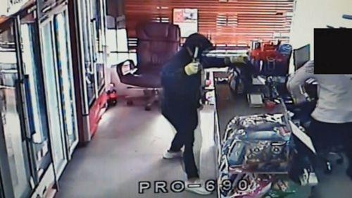 News Melbourne bottle shop robberies hammer attacks masked men police hunting Victoria