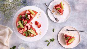 Anna Polyviou's festive strawberry gin and tonic set cheesecake
