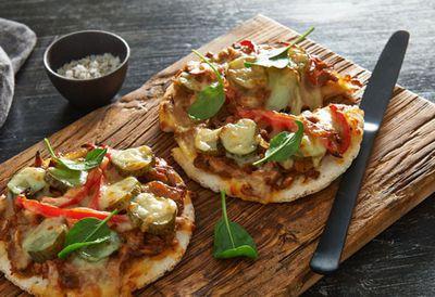 "Recipe: <a href=""http://kitchen.nine.com.au/2016/05/20/10/41/smokey-tuna-pizza"" target=""_top"">Smokey tuna pizza</a>"