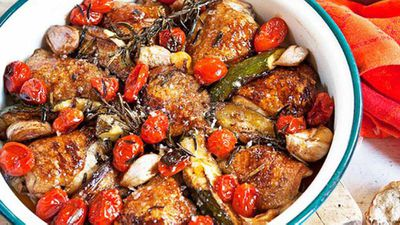"<a href=""http://kitchen.nine.com.au/2016/05/05/15/25/panroasted-chicken-with-maple-syrup-and-tomatoes"" target=""_top"">Pan-roasted chicken with maple syrup and tomatoes</a>"