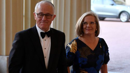 Prime Minister Malcolm Turnbull and wife Lucy Turnbull arrive at the CHOGM reception. (AAP)