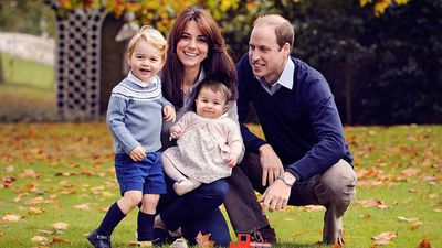 <strong>The Cambridges pose for a Christmas card, December 2015</strong>