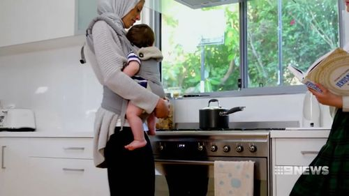 Doctors have warned parents of the dangers of buying carriers online. (9NEWS)