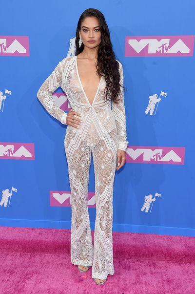 Shanina Shaik inNaeem Khan at the 2018 MTV Video Music Awards