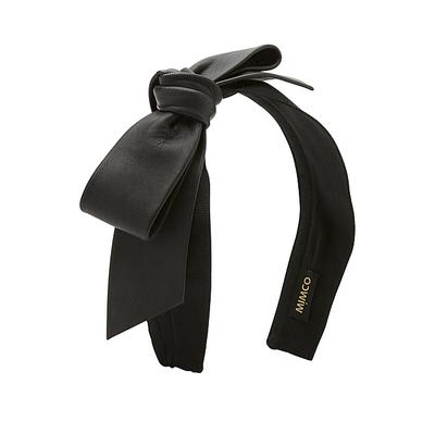 "<a href=""http://www.mimco.com.au/shop/accessories/hair-accessories/headbands/play-it-again-aliceband-60161366-1"" target=""_blank"">Play It Again, $59.95, Mimco</a>"