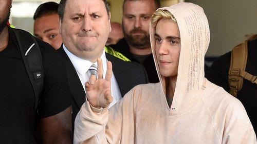Justin Bieber at Melbourne airport. (AAP)