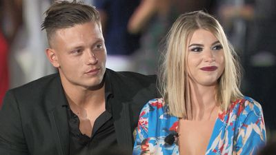 Alex Bowen and Olivia Buckland | Season 2 (2016)