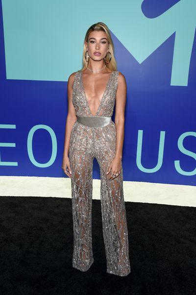 Hailey Baldwin in Zuhair Murad at the 2017 MTV VMAs in LA, August 27.