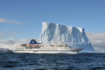 <strong>One Ocean Expeditions</strong>
