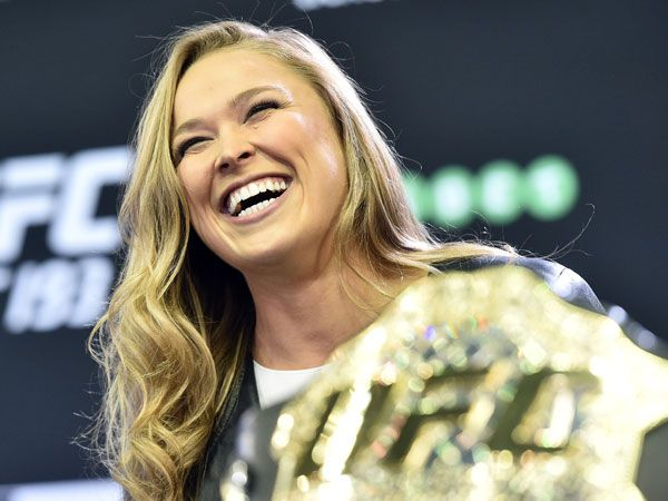 Rousey stuns with sexual innuendo blooper