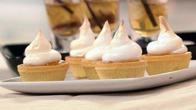 "<a href=""http://kitchen.nine.com.au/2016/05/19/17/18/mini-lemon-meringue-pies"" target=""_top"">Mini lemon meringue pies</a>"