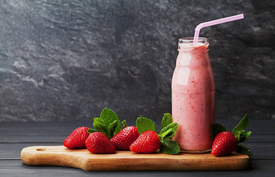 F45 Energy Boosting Strawberry Smoothie