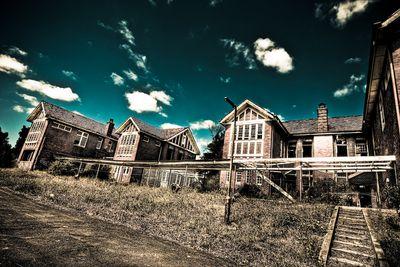 <strong>Larundel Mental Asylum inBundoora, Victoria</strong>