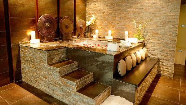 Spa bath (De La Mer Day Spa)
