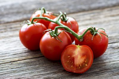<strong>Tomatoes</strong>