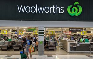 Sydney Woolworths worker tests positive for coronavirus after returning from Bangladesh via hotel quarantine in Victoria