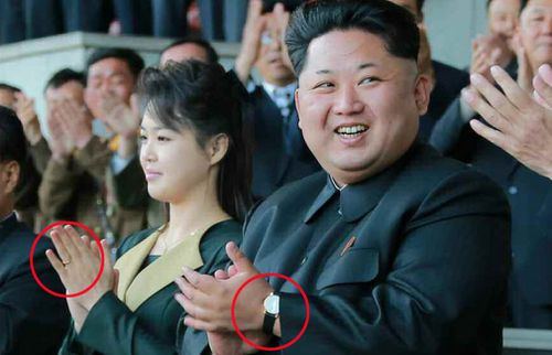 A wedding ring was spotted on Ri Sol-ju's hand in 2015. (AAP)