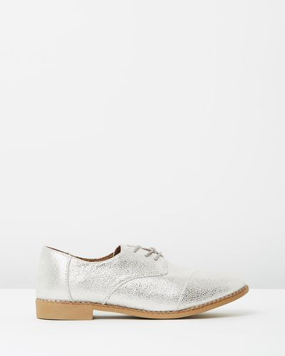 "Toms classic brogues, $140 at <a href=""http://www.theiconic.com.au/classic-brogues-409996.html"" target=""_blank"">The Iconic</a><br>"