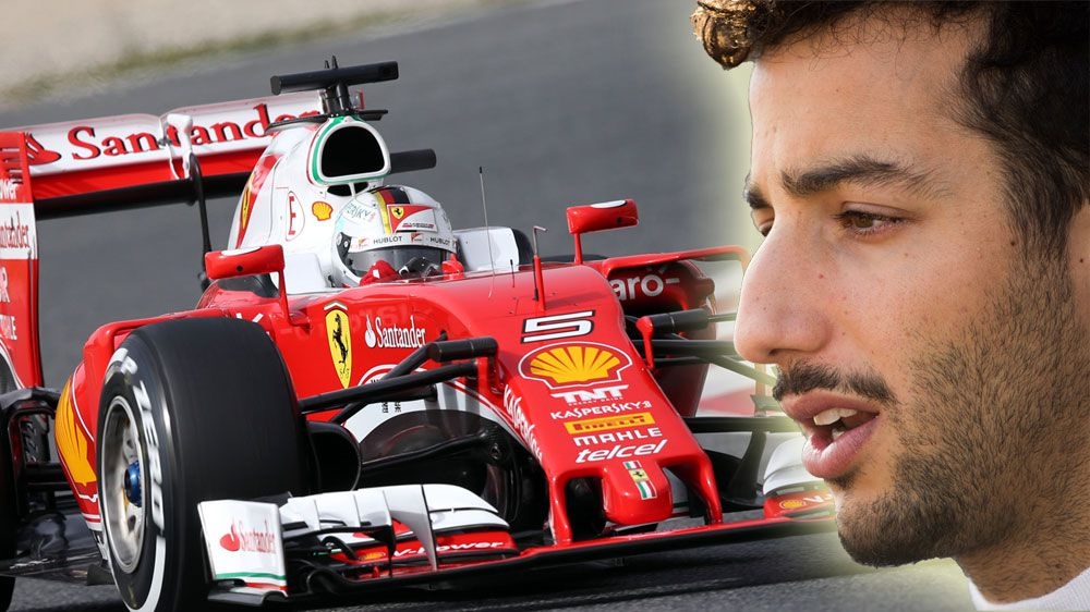 Alan Jones believes Daniel Ricciardo (R) will be driving a Ferrari next season. (AFP)