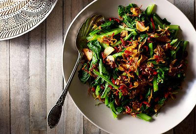 Indonesian spinach salad