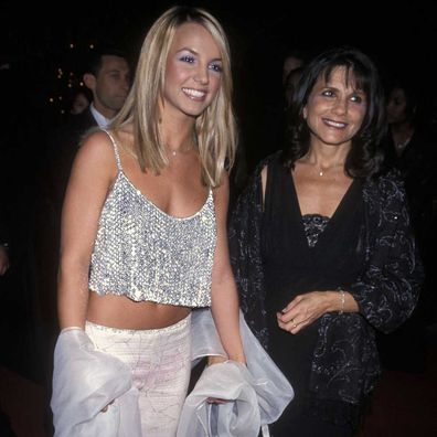 Britney Spears and her mother Lynne Spears in 2000.