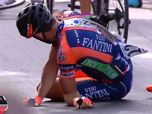 Pro cyclist's arm broken, bent in wrong direction after sickening crash