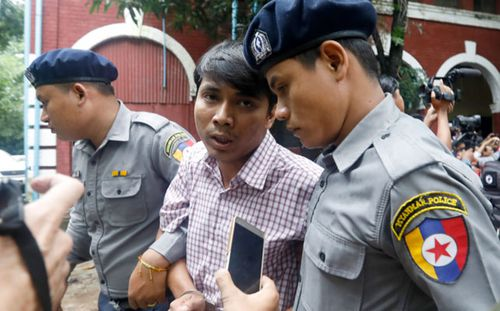 Detained Reuter's journalist Kyaw Soe Oo talks to the media. (Photo: AP).