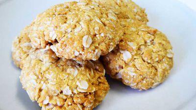 """Recipe:<a href=""""https://kitchen.nine.com.au/2016/05/20/10/25/healthy-anzac-biscuits"""" target=""""_top"""">Healthy Anzac biscuits</a>"""