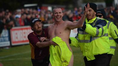 Streaker launches crowd-funding campaign to pay for fine