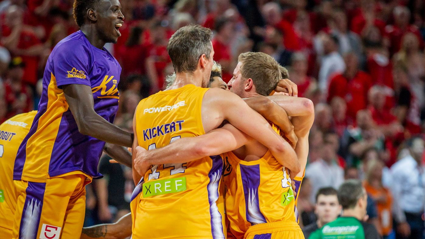 NBL: Sydney Kings steal win over Perth Wildcats