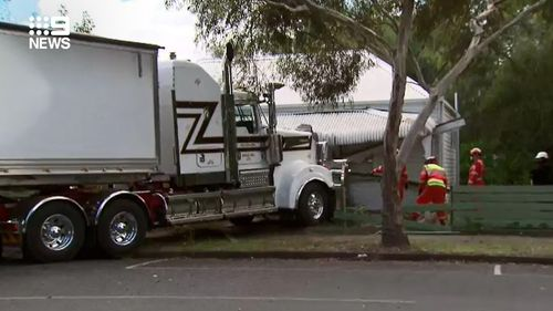 , Woman escapes injury after truck rams through bedroom wall, Indian & World Live Breaking News Coverage And Updates