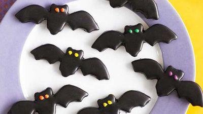 "Recipe:&nbsp;<a href=""http://kitchen.nine.com.au/2016/05/16/20/10/black-bats"" target=""_top"">Black bats</a>"