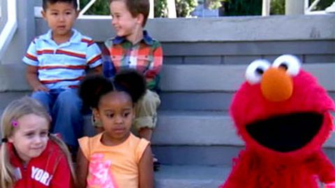 Team ginger: Elmo defends redheads