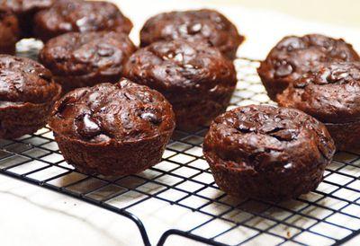 """Recipe: <a href=""""/recipes/ichocolate/9108889/choc-zucchini-muffins """" target=""""_top"""">Choc-zucchini muffins</a>"""