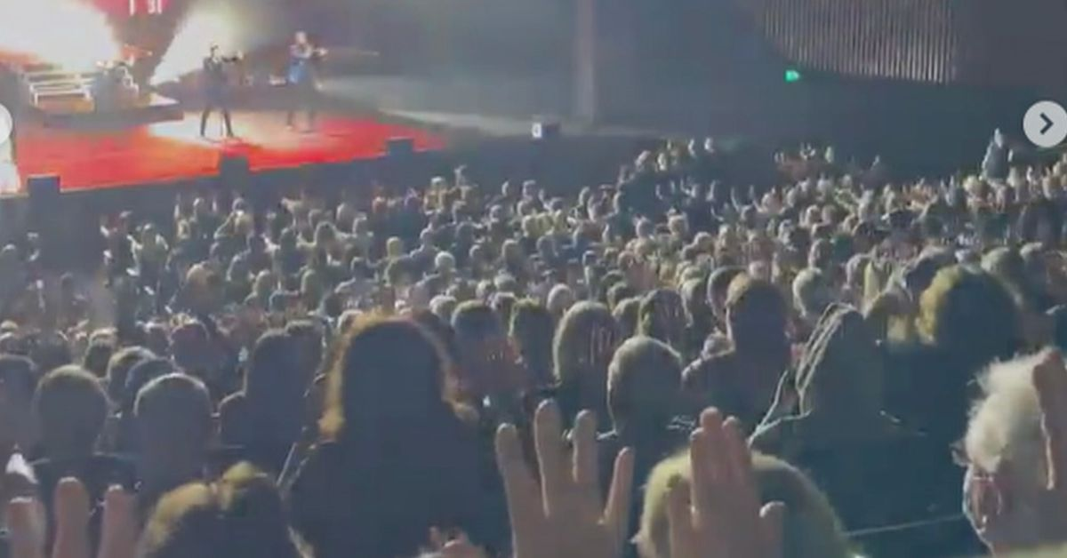 Crowd at Human Nature concert in Sydney sparks concern amid coronavirus outbreak – 9News