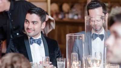 Wedding guest's extremely funny photo fail goes viral