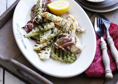 "<a href=""http://kitchen.nine.com.au/2016/05/17/13/17/grilled-calamari-with-fennel-and-lemon-salt"" target=""_top"">Grilled calamari with fennel and lemon salt</a>"