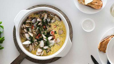 "Recipe: <a href=""http://kitchen.nine.com.au/2017/08/03/11/47/drunken-garlic-clams"" target=""_top"" draggable=""false"">Ten minute drunken garlic clams</a>"