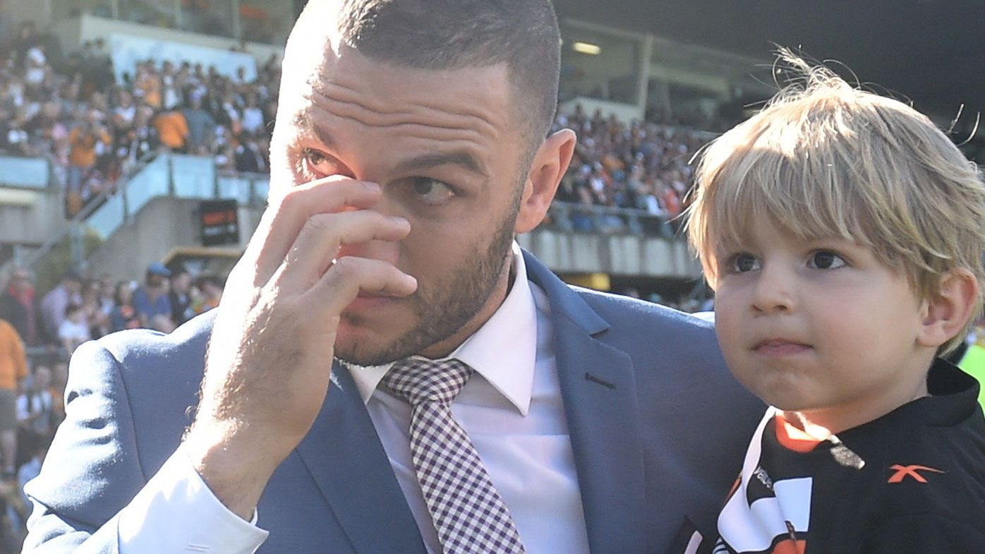 Robbie Farah on the sidelines during Wests Tigers final game of the season (WWOS)
