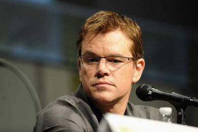 Matt Damon rocks the nerd look.