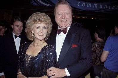 SYDNEY - JANUARY 01:  ACTOR BERT NEWTON WITH HIS WIFE PATTI AT PEOPLE'S CHOICE AWARDS 1992 IN SYDNEY.