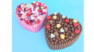 "#TeamChocolate and #TeamCandy smash cakes with over 4kg of treats inside - RRP $160<br /> <a href=""https://www.sydneysmashcakes.com.au/"" target=""_top"">Sydney Smash Cakes</a>"