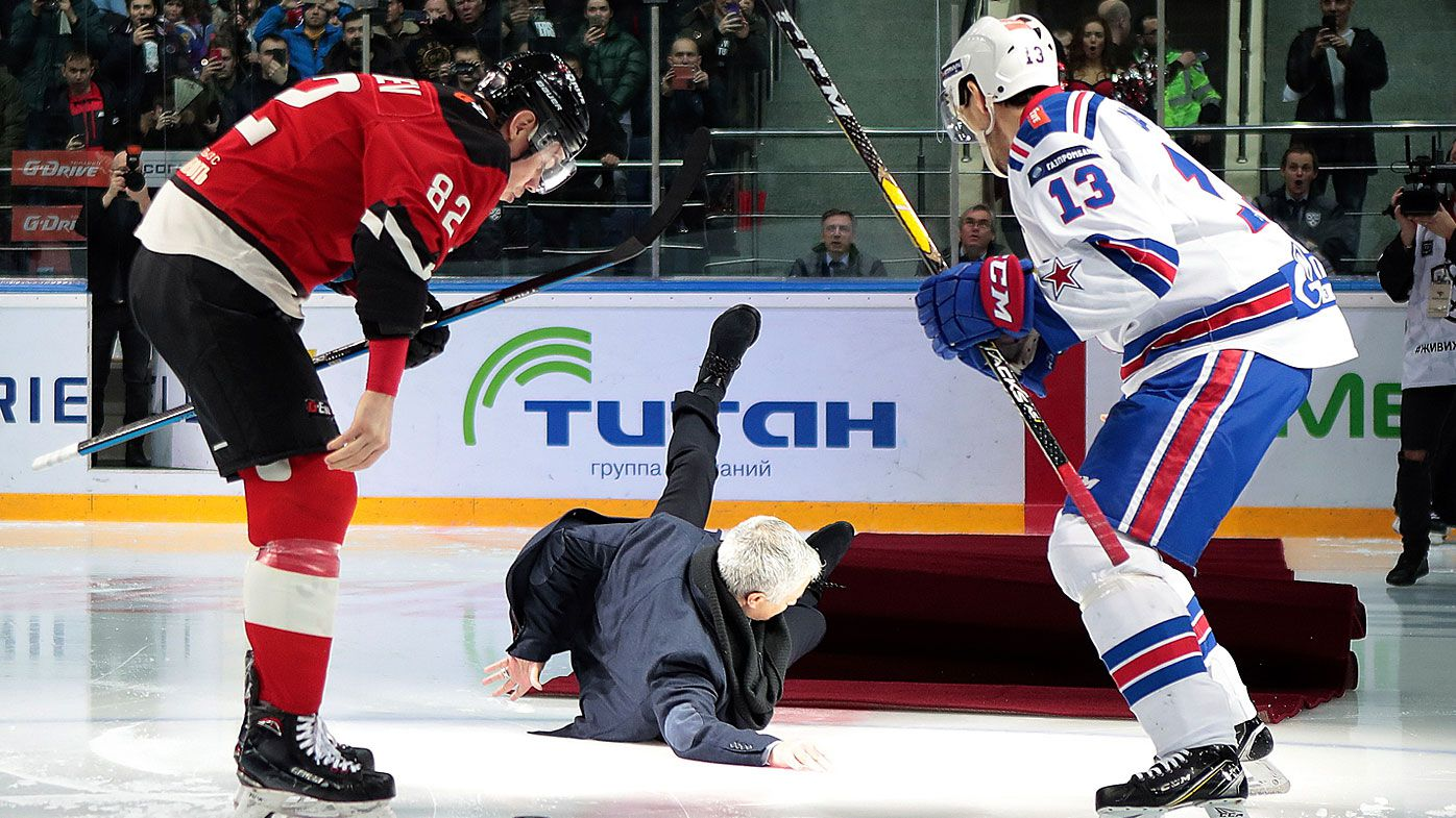 Former Manchester United makes bizarre appearance at Russian hockey game