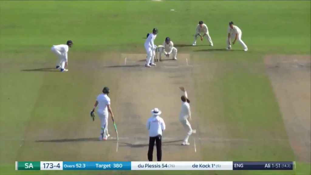 England has beaten South Africa in the 4th cricket Test