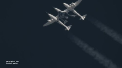 Virgin Galactic's new spaceship climbed at supersonic speed over California's Mojave Dessert on Thursday (local time). (Virgin Galactic / Youtube)