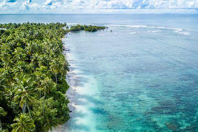 13. Lance's Right, Sipora, Menntawais Islands, Sumatera Barat, Indonesia 148,020 hashtags