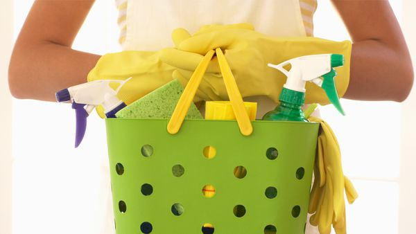 Cleaned up: 79 percent of stay-at-home mums do all the cleaning without any help. Image: Getty